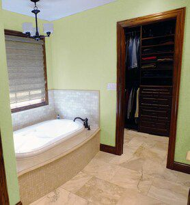 Travertine Tub in Master Bath Suite